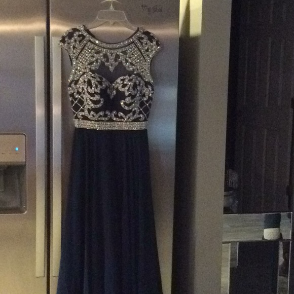 Dresses & Skirts - Beautiful prom dress or evening gown
